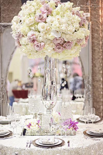 Glam and luxe wedding table setting from SAL floral design