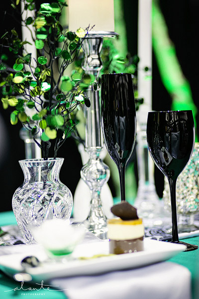 Emerald green wedding table setting